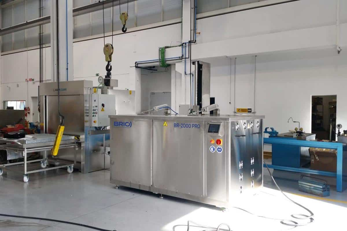 Sample of ultrasonic cleaning machine installed in a naval maintenance workshop.