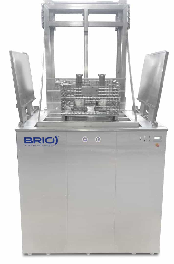 BRIO automatic ultrasonic cleaning machine for naval parts cleaning. 8000 liters. Frontal view.